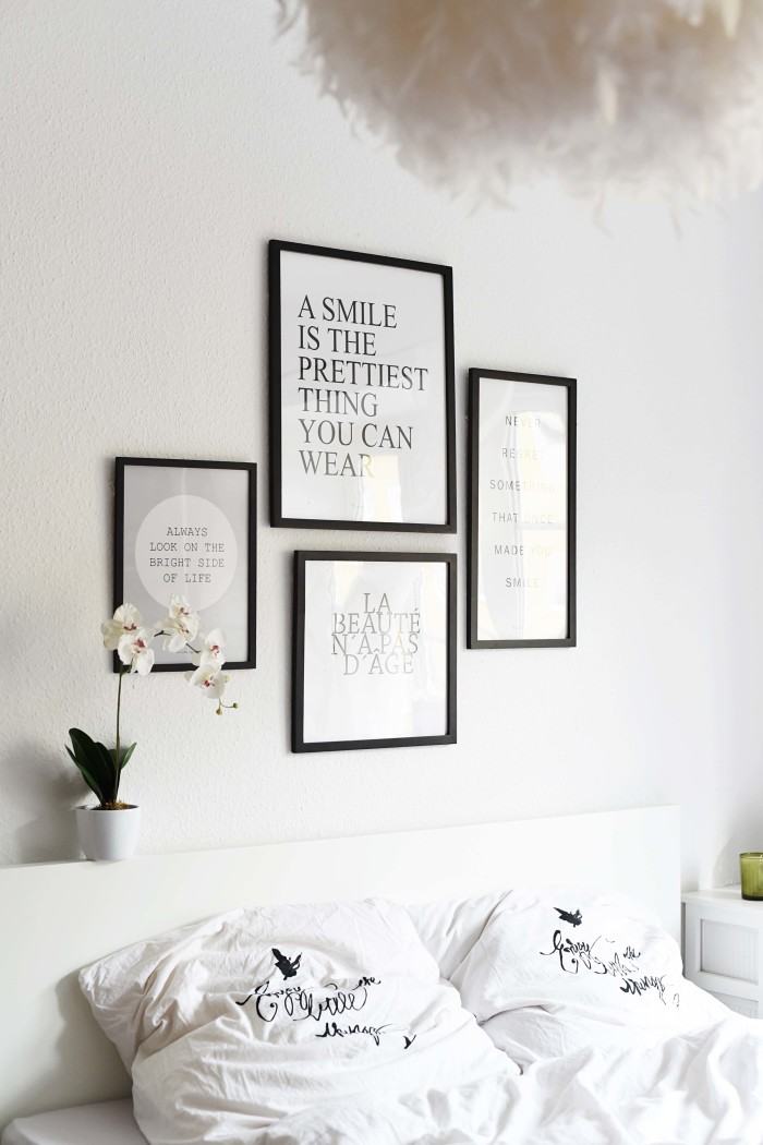 unsere bilderwand im schlafzimmer fashiioncarpet. Black Bedroom Furniture Sets. Home Design Ideas