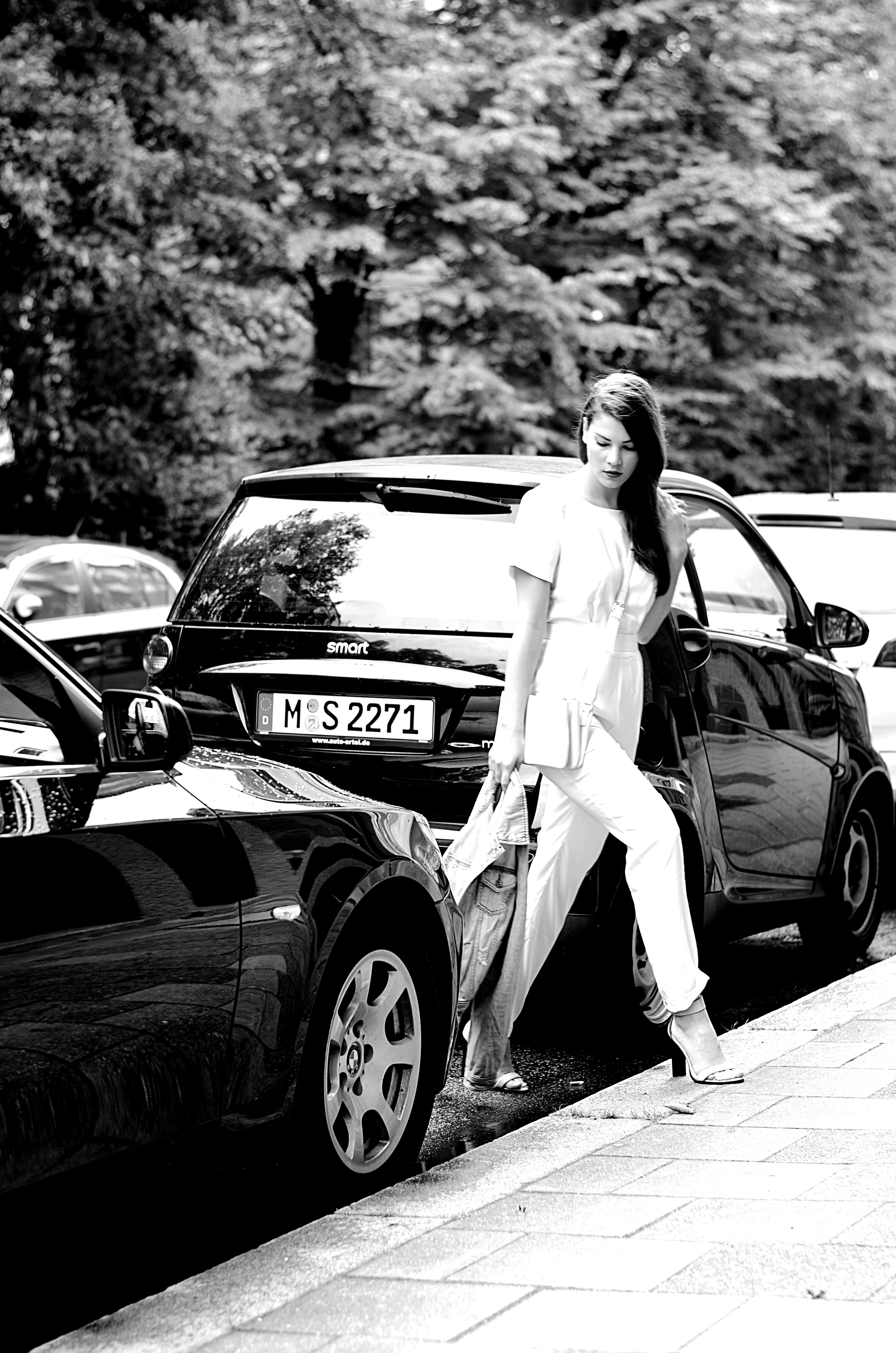 Fashionbloggermünchen-fashionblogger-blogger-fashionblog-münchen-munich-fashion-outfit-mode-style-streetstyle-bloggerstreetstyle-fashiioncarpet-fashioncarpet-look-ootd-fashionblogdeutschland-deutscherfashionblogger-fashionbloggergermany-germanblogger-forever21-kooperation-fashionbloggerkooperation-forever21denim-jeansjacke-stylingjeansjacke-denimjacket-bloggerdenimjacket