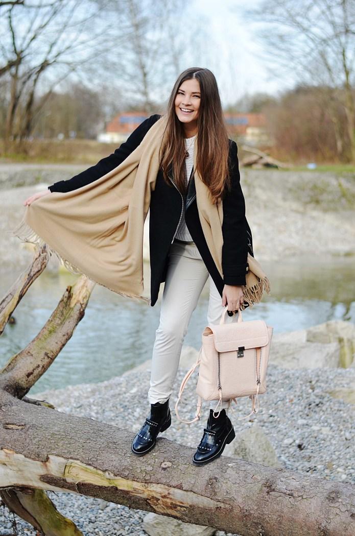Fashionbloggermünchen-fashionblogger-blogger-fashionblog-münchen-munich-fashion-outfit-mode-style-streetstyle-bloggerstreetstyle-fashiioncarpet-fashiioncarpet-look-ootd-fashionblogdeutschland-deutscherfashionblogger-fashionbloggergermany-germanblogger-fashionbloggerdeutschland-deutschland-fashionblogger-philliplim3.1-philliplim-rucksack-balenciagabuckelboots-ashboots-philliplimruckack-philliplimbackpacker-philliplimPashliRucksack,philliplimPashlipeach
