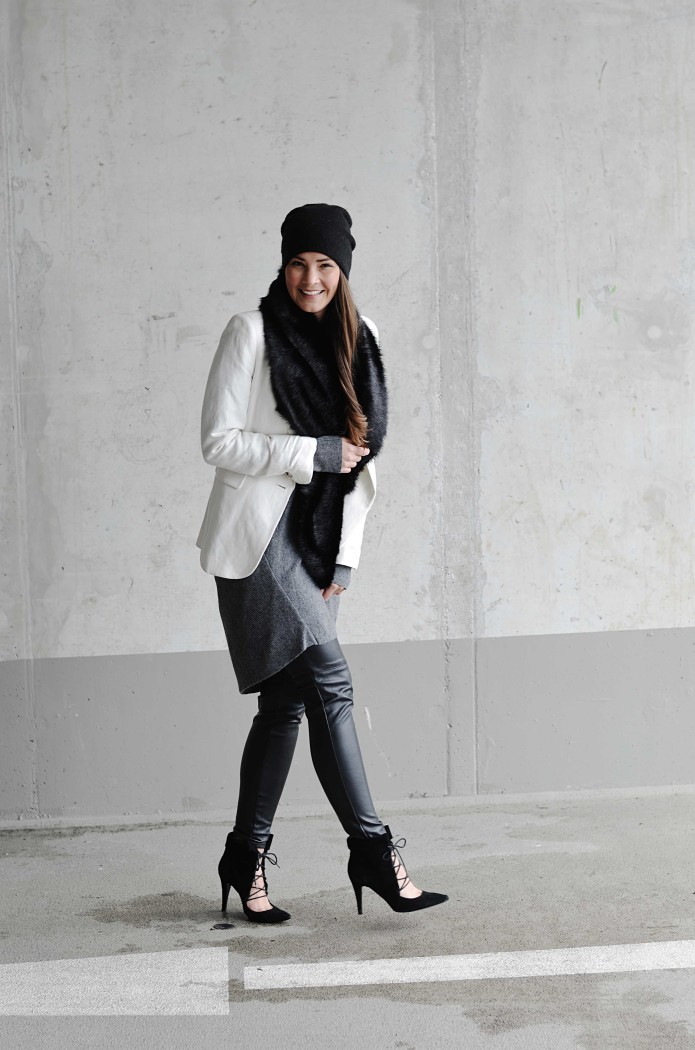 Fashionbloggermünchen-fashionblogger-blogger-fashionblog-münchen-munich-fashion-outfit-mode-style-streetstyle-bloggerstreetstyle-fashiioncarpet-fashiioncarpet-look-ootd-fashionblogdeutschland-deutscherfashionblogger-fashionbloggergermany-germanblogger-fashionbloggerdeutschland-deutschland-fashionblogger-layering-blazer-beanie-laceupheels-heels-higheels-strickkleid-kleid-shirtdress-lagenlook- Deutschland-fashionbloggerdeutschland-Fashionbloggermünchen-fashionblogger-blogger-fashionblog-münchen-munich-fashion-outfit-mode-style-streetstyle-bloggerstreetstyle-fashiioncarpet-fashiioncarpet-look-ootd-fashionblogdeutschland-deutscherfashionblogger-fashionbloggergermany-germanblogger-fellkragen-fakefur