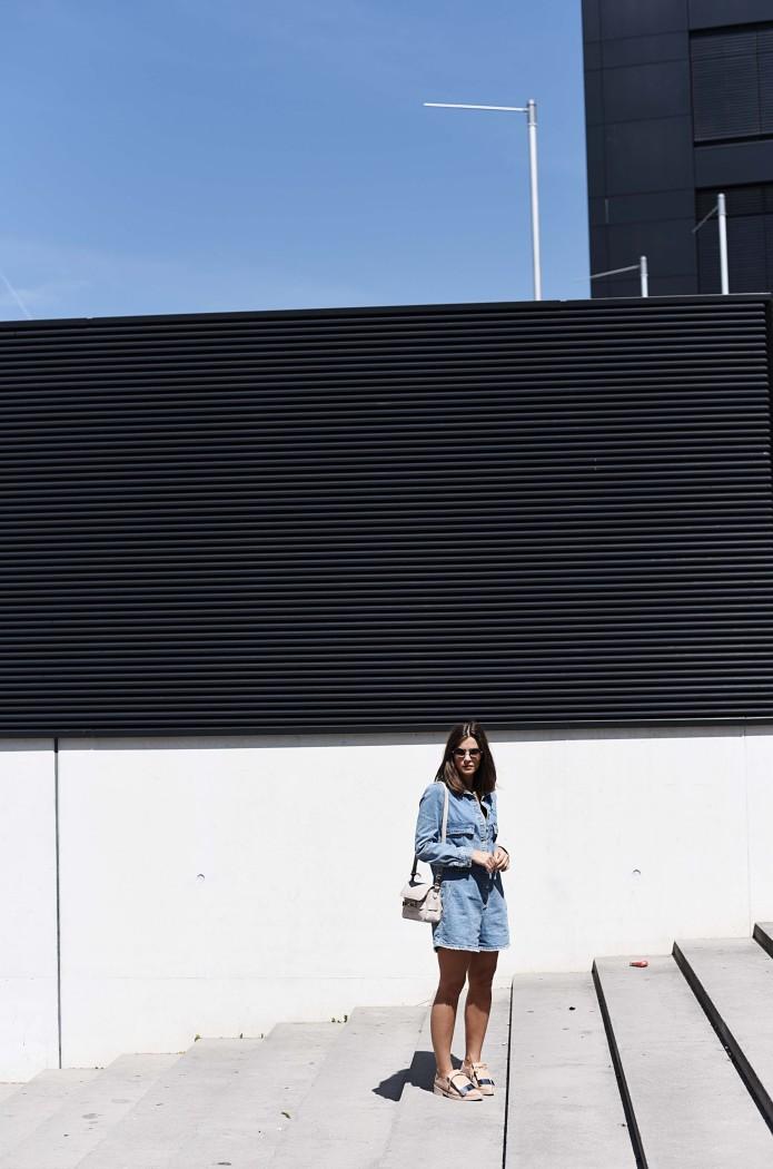 Fashionbloggermünchen-fashionblogger-blogger-fashionblog-münchen-munich-fashion-outfit-mode-style-streetstyle-bloggerstreetstyle-fashiioncarpet-fashiioncarpet-look-ootd-fashionblogdeutschland-deutscherfashionblogger-fashionbloggergermany-germanblogger-fashionbloggerdeutschland-deutschland-fashionblogger-layering- Deutschland-fashionbloggerdeutschland-Fashionbloggermünchen-fashionblogger-blogger-fashionblog-münchen-munich-fashion-outfit-mode-style-streetstyle-bloggerstreetstyle-fashiioncarpet-fashiioncarpet-look-ootd-fashionblogdeutschland-deutscherfashionblogger-fashionbloggergermany-germanblogger-fashionbloggermany-modeblogmünchen-modebloggermany-zara-overall-denim-playsuit-jumpsuit-proenza-schouler-ps11-marni-tongue-flats-jeans-einteiler-zarasale-runde-sonnenbrile-