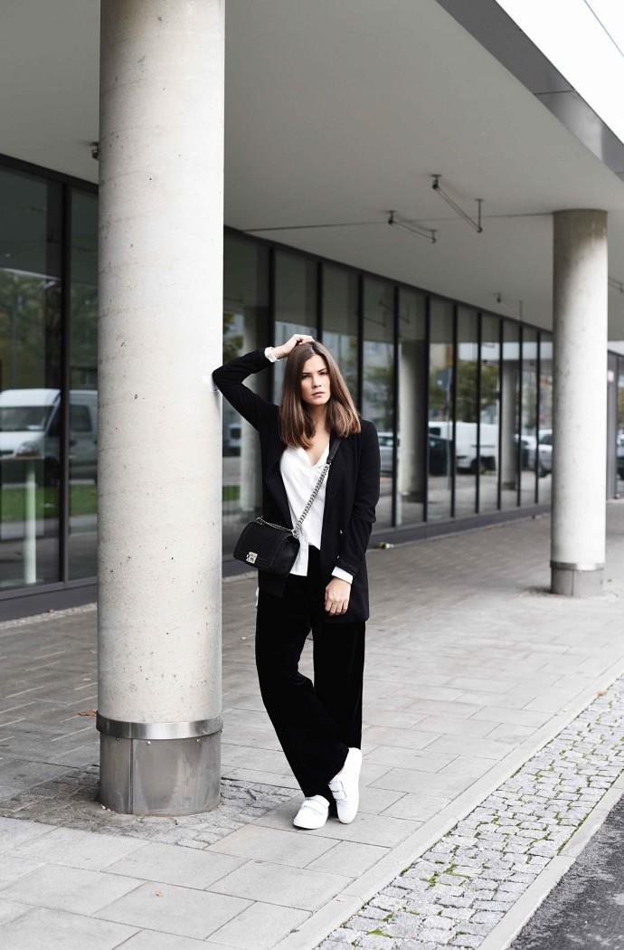 Fashionbloggermünchen-fashionblogger-blogger-fashionblog-münchen-munich-fashion-outfit-mode-style-streetstyle-bloggerstreetstyle-fashiioncarpet-fashiioncarpet-look-ootd-fashionblogdeutschland-deutscherfashionblogger-fashionbloggergermany-germanblogger-fashionbloggerdeutschland-deutschland-fashionblogger-layering- Deutschland-fashionbloggerdeutschland-Fashionbloggermünchen-fashionblogger-blogger-fashionblog-münchen-munich-fashion-outfit-mode-style-streetstyle-bloggerstreetstyle-fashiioncarpet-fashiioncarpet-look-ootd-fashionblogdeutschland-deutscherfashionblogger-fashionbloggergermany-germanblogger-fashionbloggermany-modeblogmünchen-modebloggermany-fashionbloggerdeutschland-fashionblogger-deutschland-chanel-boy-bag-caviar-santhose-zara-home-boyfriend-blazer-klettverschluss-sneaker-won-hundred-velcro