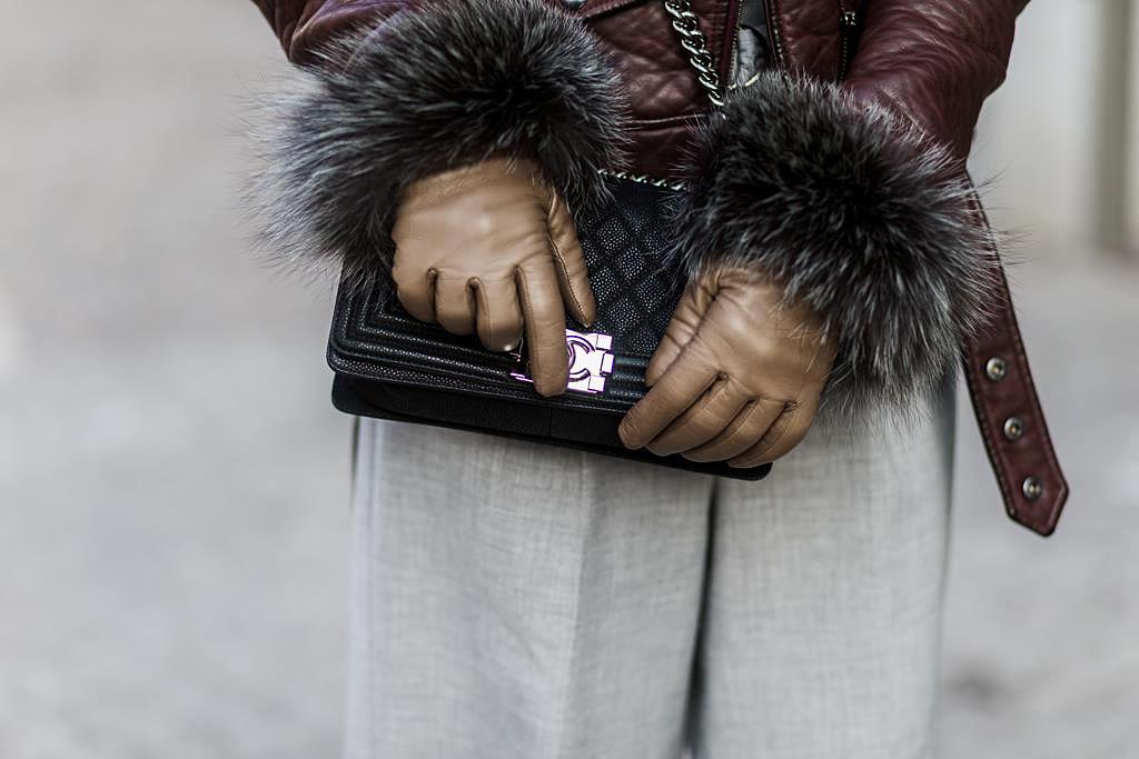 blogger-streetstyle-german-blogger-fashionblog-germany-deutschland-modeblog-münchen-modeblog-germany-nina-schwichtenberg-fashiioncarpet-fur-gloves