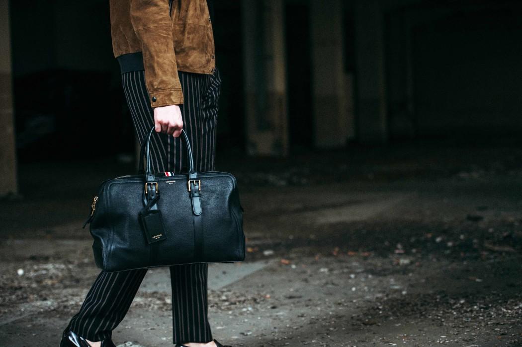 Fashionblogger-deutschland-münchen-munich-fashion-streetstyle-fashiioncarpet-fashionblogdeutschland-deutscher-fashionblogger-germanblogger-deutschland- fashionbloggerdeutschland-modeblog-munich-nina-schwichtenberg-fashiioncarpet-thom-browne-weekender-bag