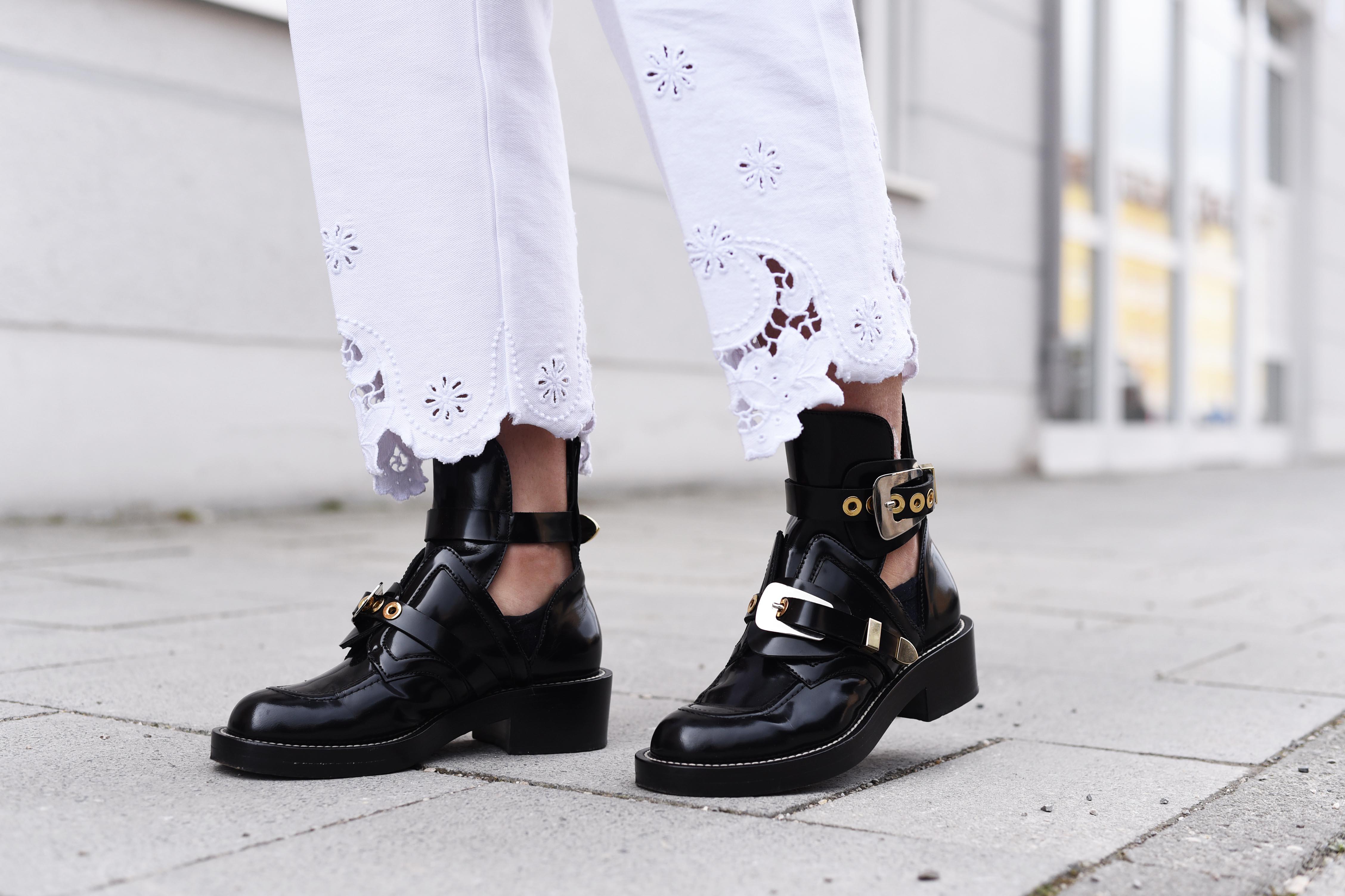 fashiioncarpet-Balenciaga Ceinture-Ankle-Boots-streetstyle