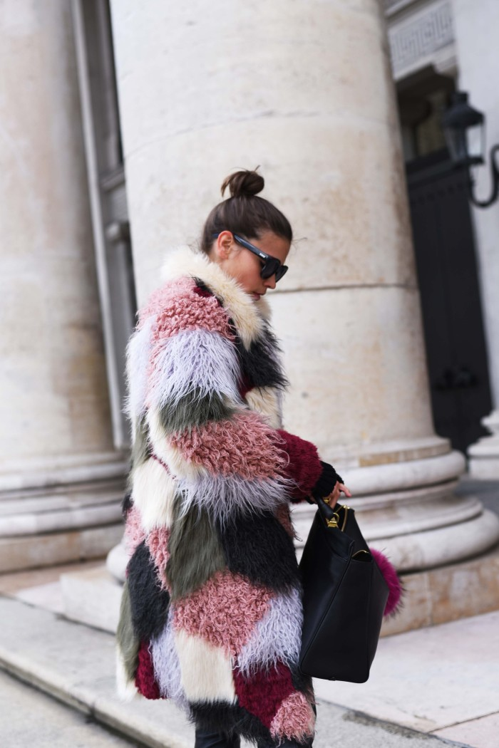 fashiioncarpet-fendi-monster-bag-bug
