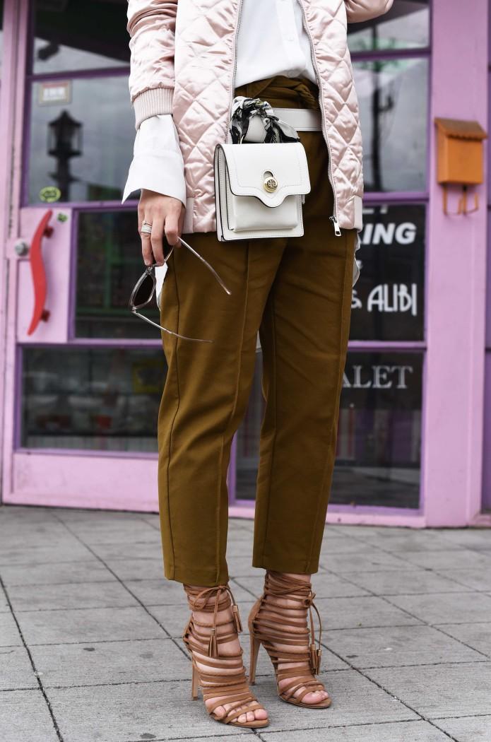 fashiioncarpet-tory-bruch-leather-belt-bag