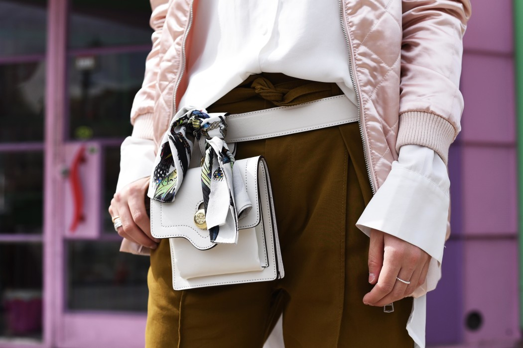 fashiioncarpet-tory-burch-belt-bag-white