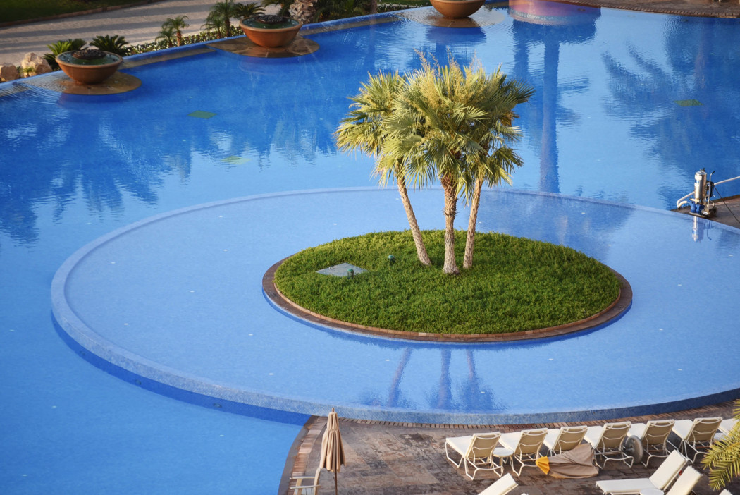 fashiioncarpet-atlantis-the-palm-hotel-dubai-pool