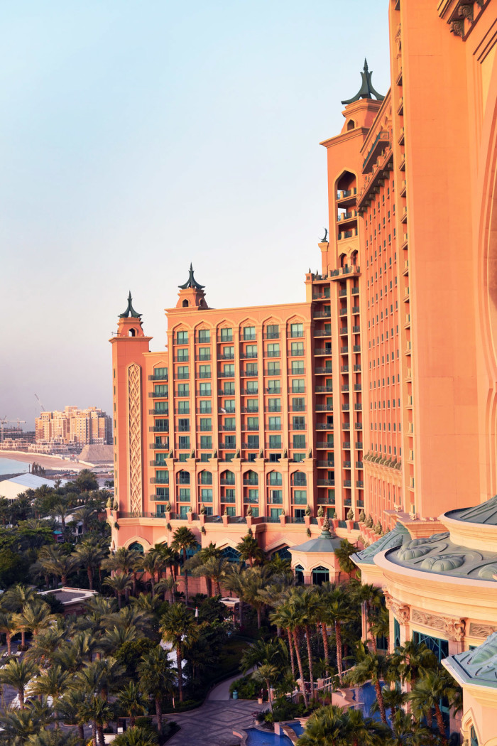fashiioncarpet-the-palm-hotel-dubai