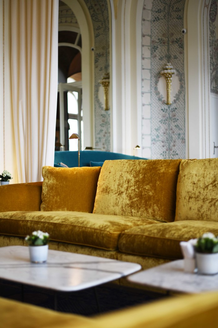 fashiioncarpet-evian-ressort-hotel