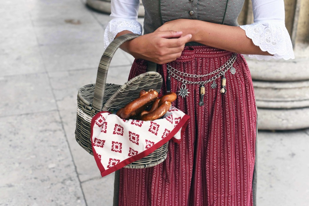 Der gro e dirndl guide die do 39 s don 39 ts beim wiesn styling for Dirndl fa r mollige