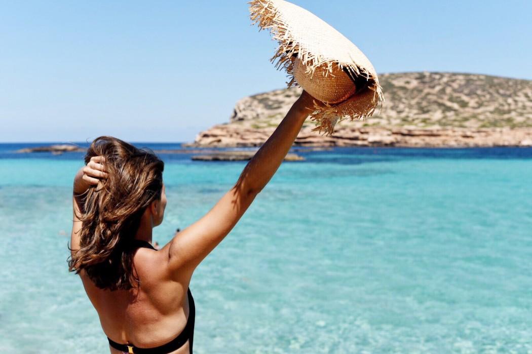ibiza-comte-beach-strand-türkises-wasser-fashiioncarpet
