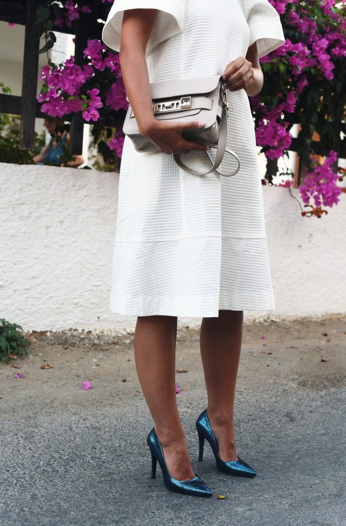metallic-high-heels-trendfarbe-petrol-fashiioncarpet