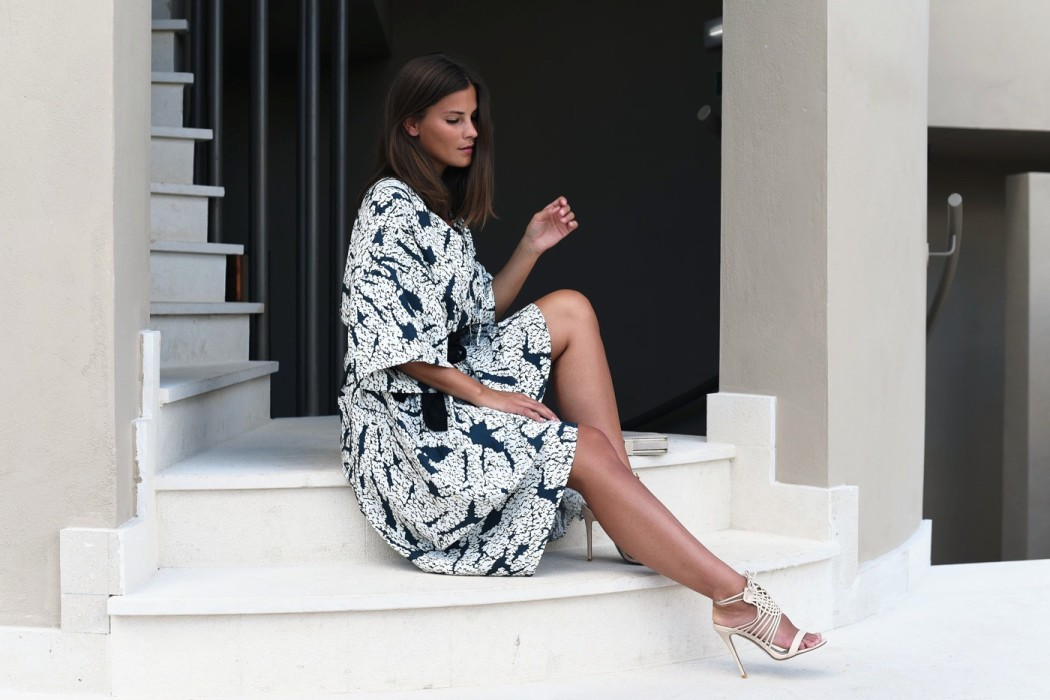 nina-fashiioncarpet-kleid-mit-summer-kombinieren-streetstyle-blogger-style-fashiioncarpet