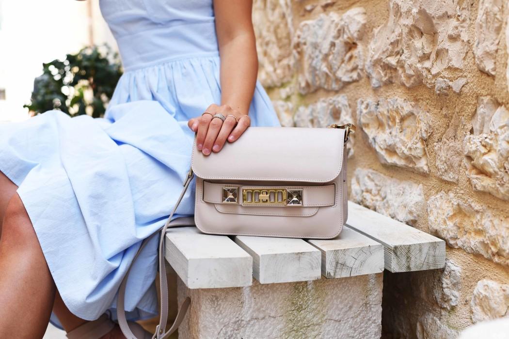 H&M-sommer-kleid-mit-rüschen-fashiioncarpet