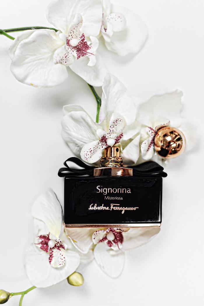 signorina-salvatore-ferragamo-perfum-fashiioncarpet