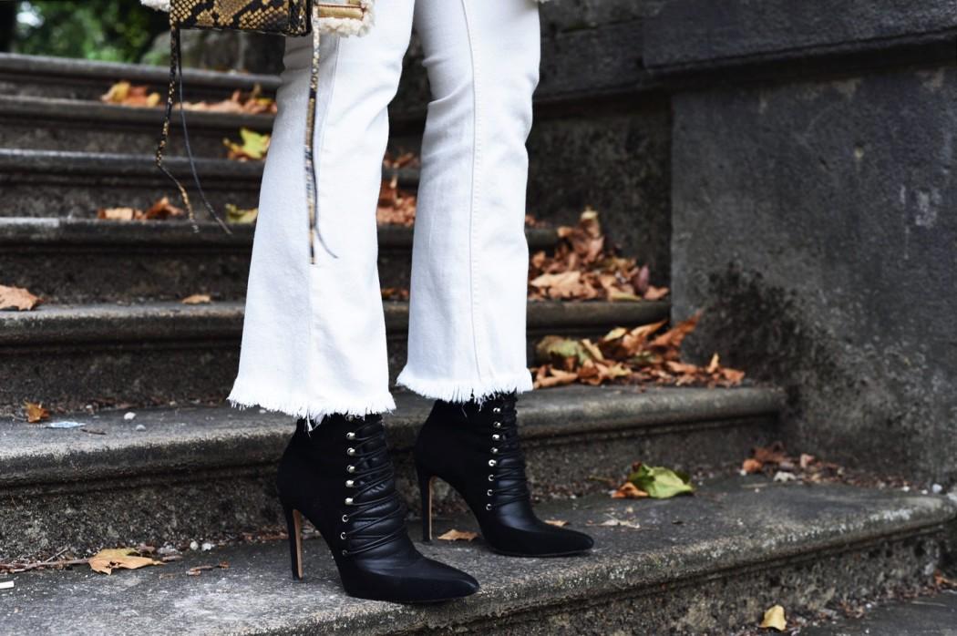 fransen-jeans-denim-mit-fransen-saum-weiß-streetstyle-blogger-fashiioncarpet