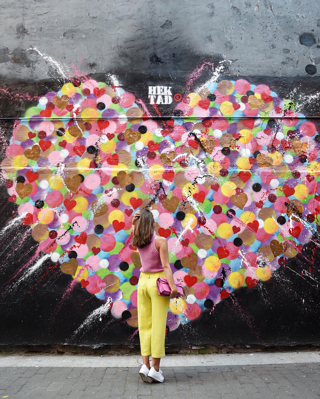 heart-art-wall-blogger-fashiioncarpet-new-york