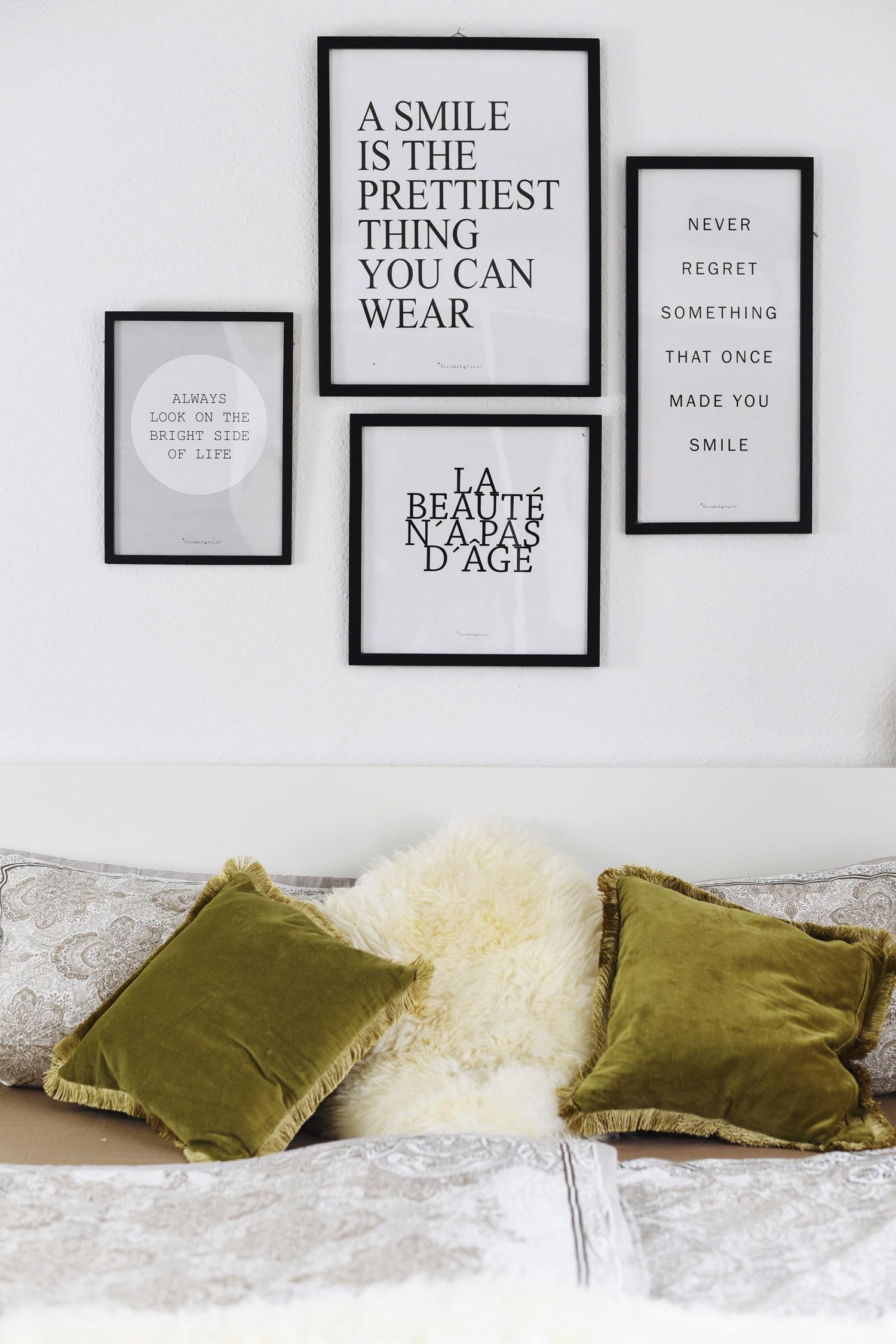 schlafzimmer-in-erdtönen-dekorieren-paisley-bettdecke-fashiioncarpet