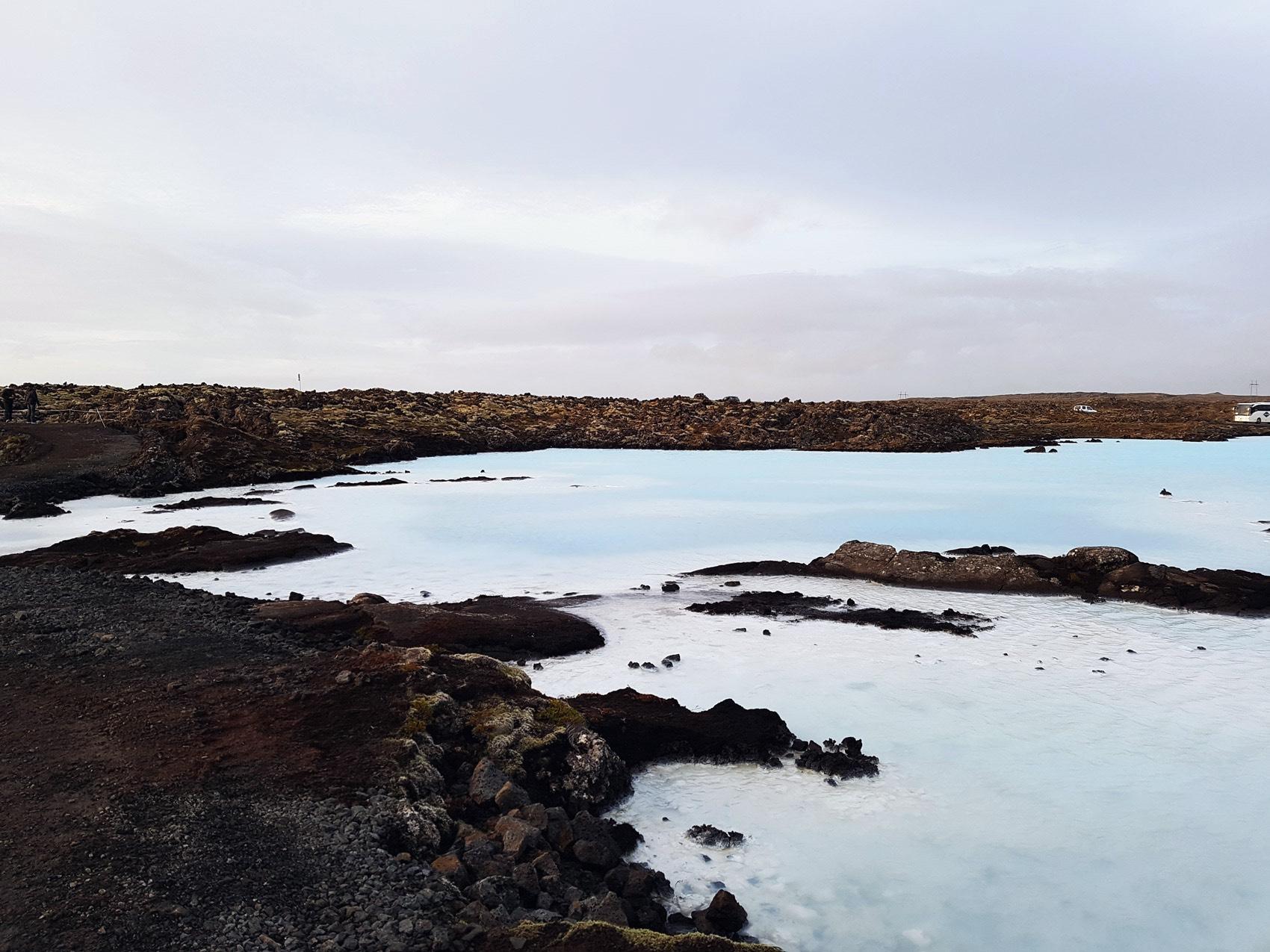 wasser-blaue-lagoone-island-iceland-hot-spots-nina-fashiioncarpet_Fotor