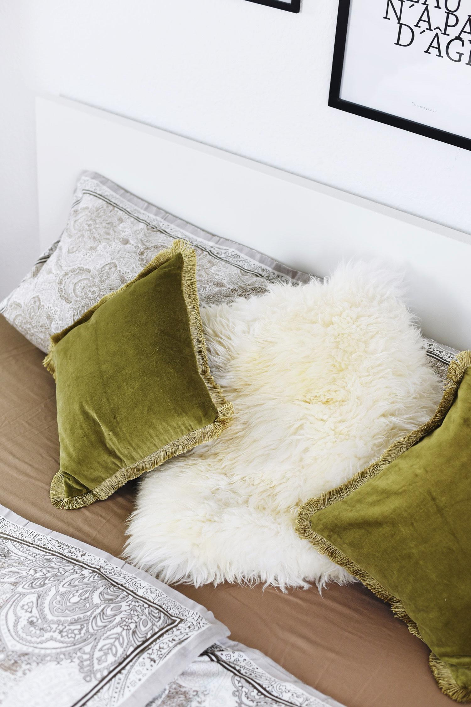 kissen-aus-lammfell-kuschel-kissen-tk-maxx-home-abteilung-fashiioncarpet