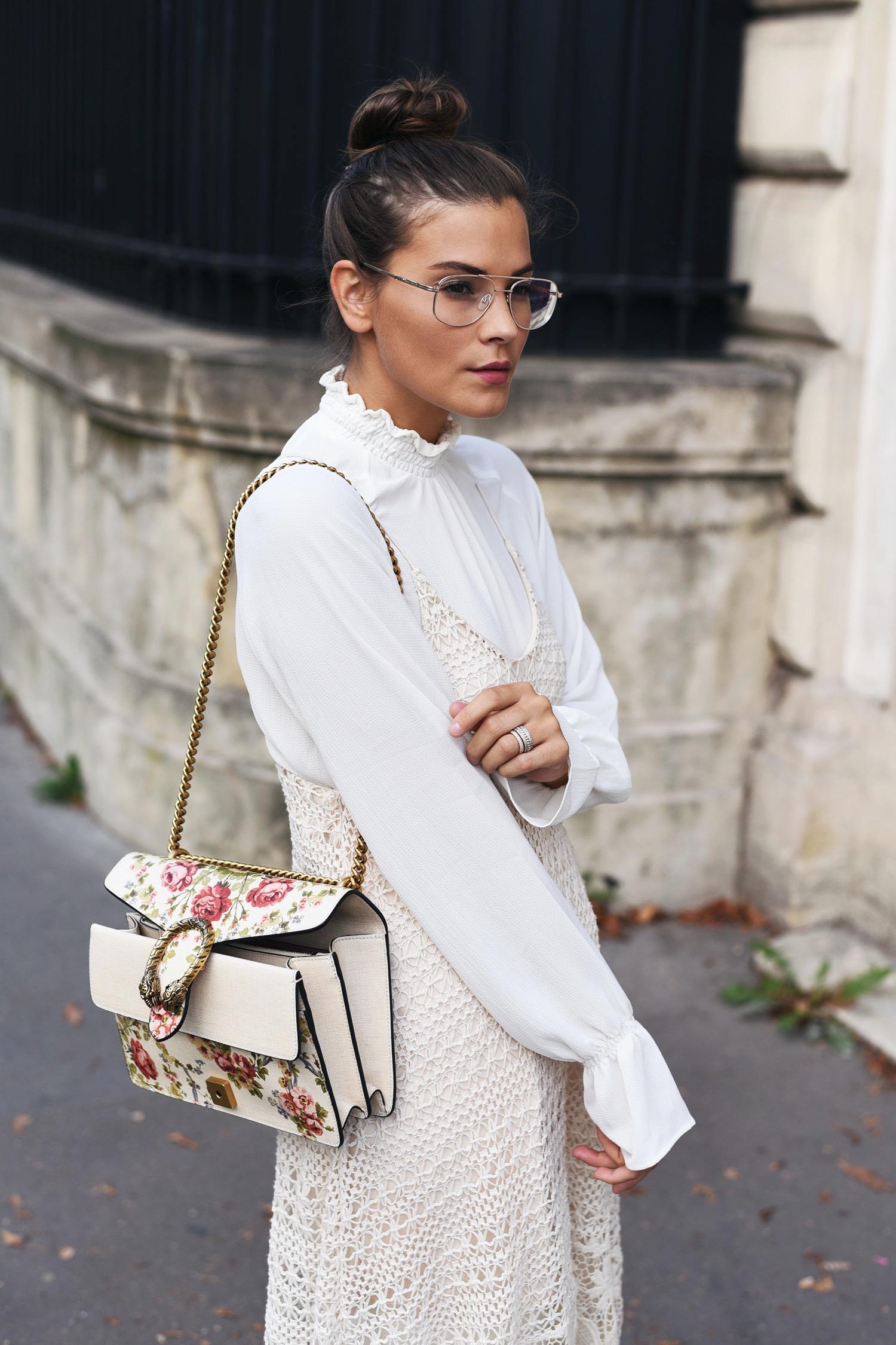 bluse-unter-kleid-tragen-trend-sommerkleid-wintertauglich-machen-fashiioncarpet