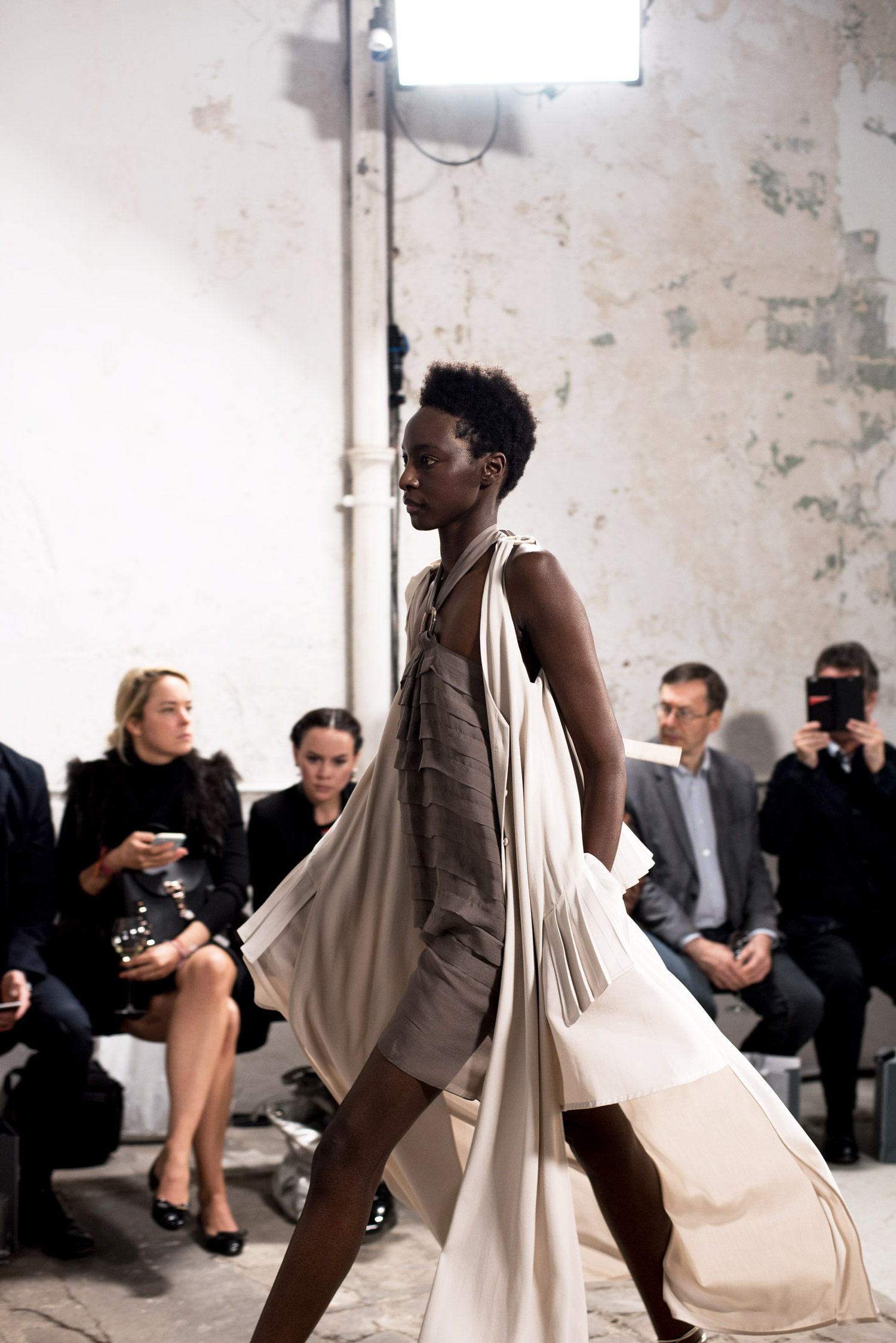 paris-fashion-week-nobi-talai-show-fashiioncarpet.jpg