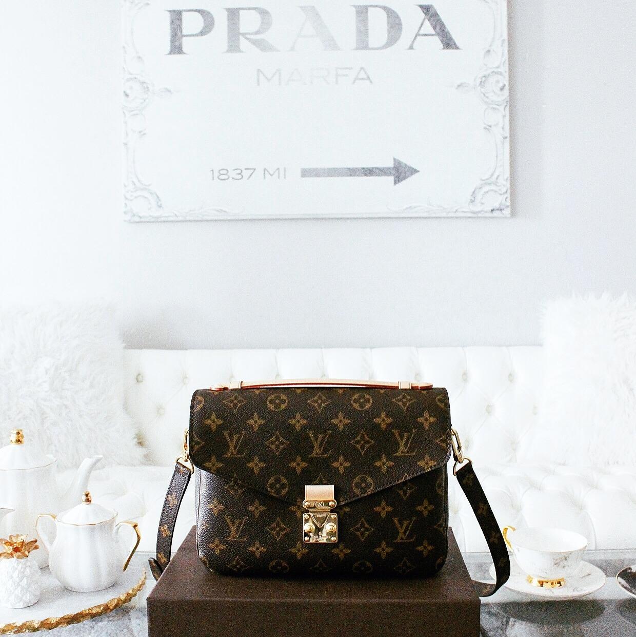 louis-vuitton-pochette-metis-blogger-it-bag-2016-fashiioncarpet