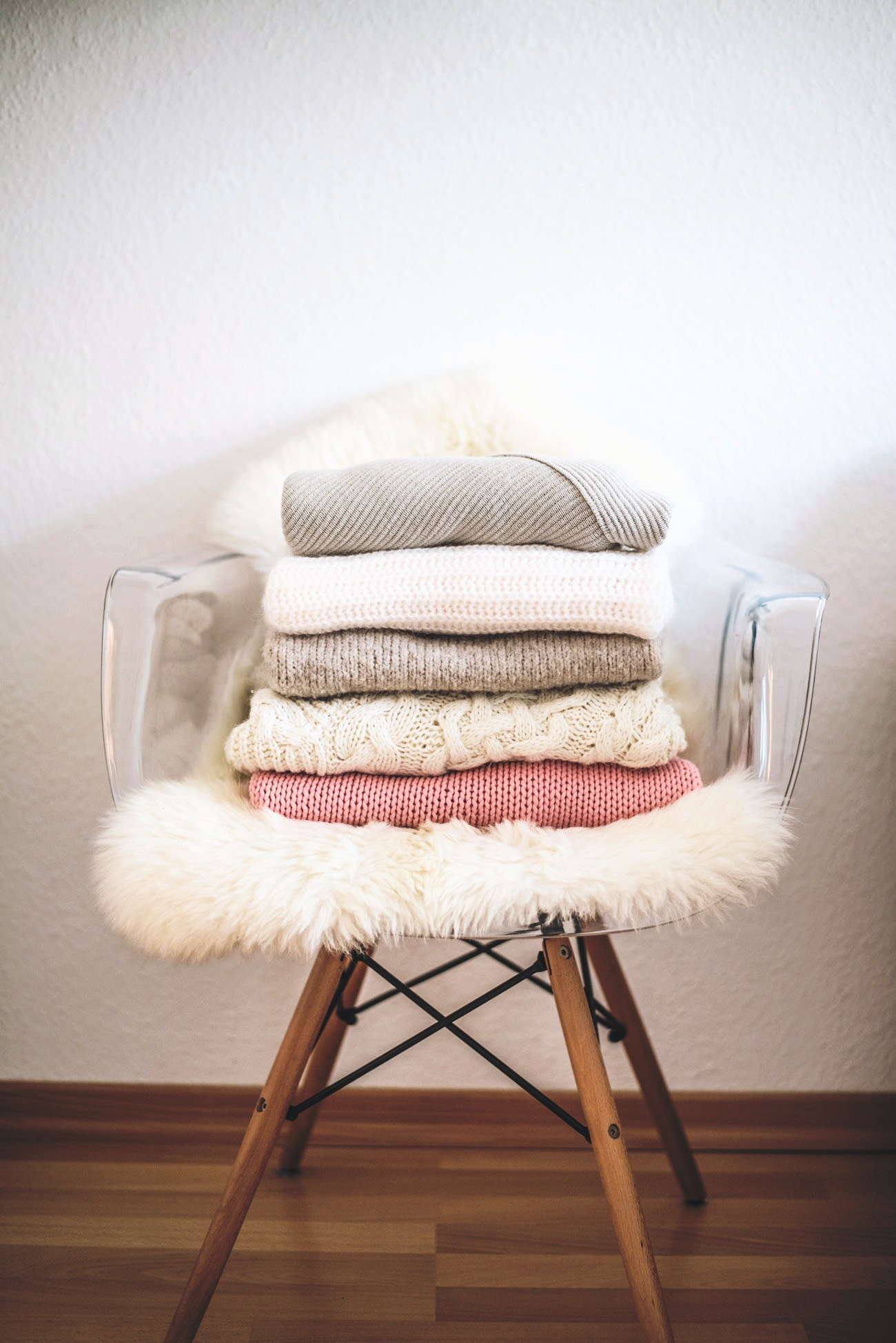 warm-and-cozy-oversize-knits-to-shop-fashiioncarpet