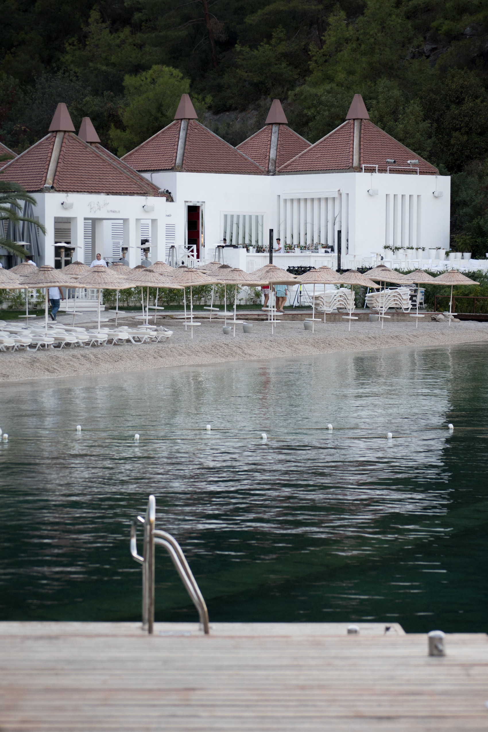 hillside-beach-club-turkey-fethiye-pool-area-fashiioncarpet