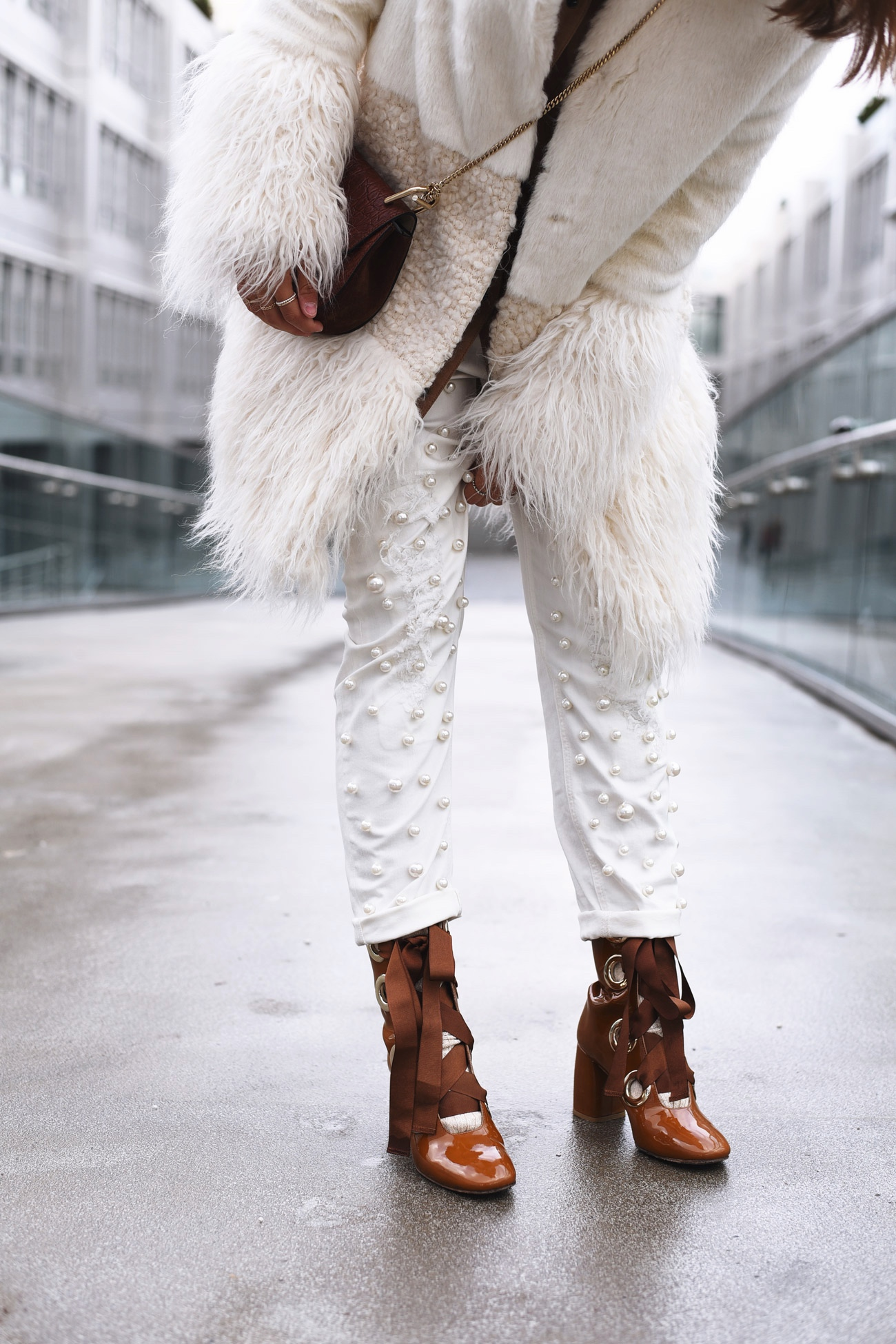 denim-with-pearls-jeanshose-mit-perlen-escada-sport-blogger-streetstyle-nina-fashiioncarpet