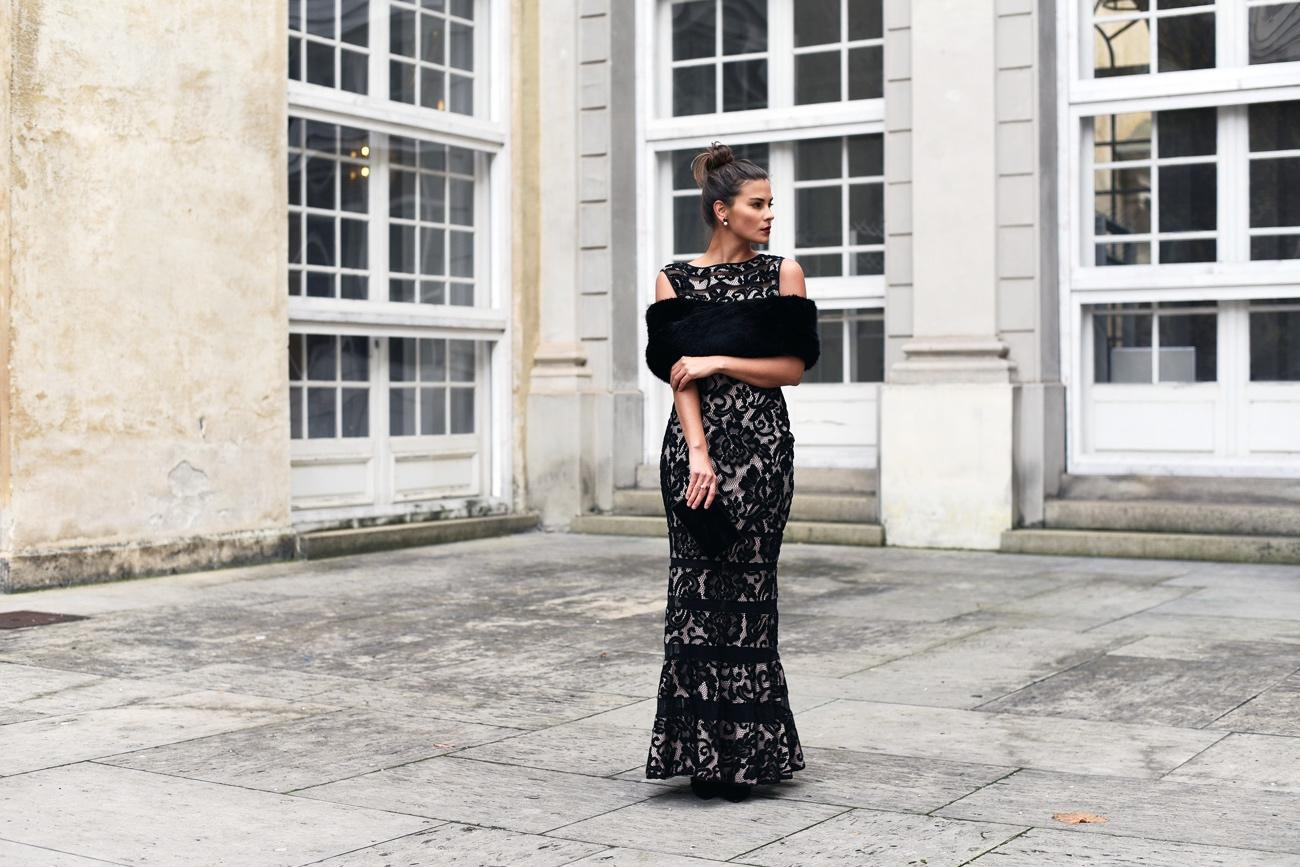 outfit-ideen-inspiration-fuer-schicken-eleganten-weihnachts-look-abendkleid-festliches-outfit-fashiioncarpet
