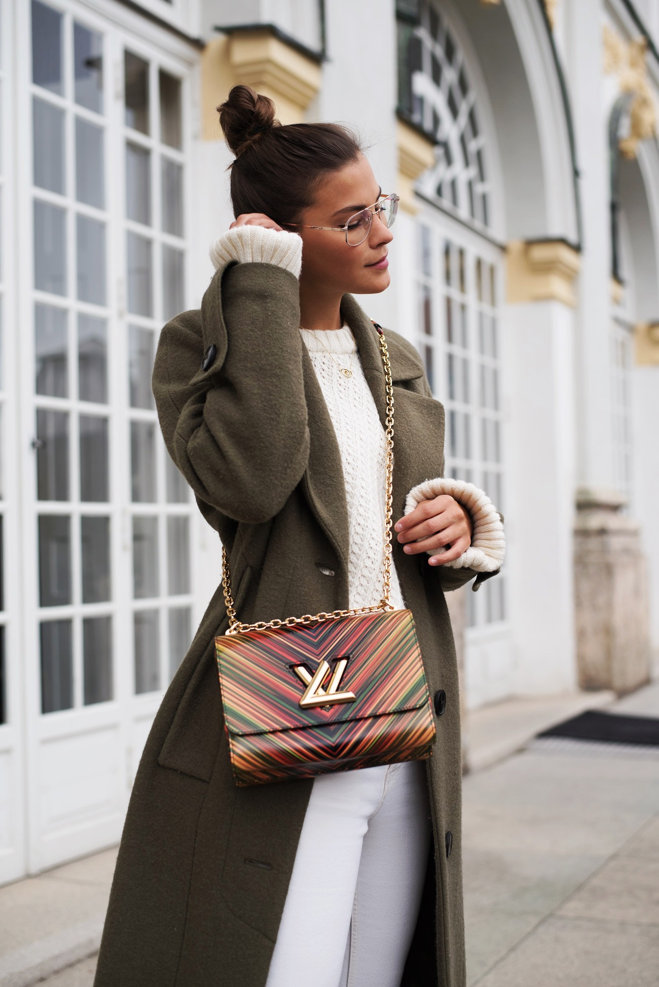 lv-twist-mm-cruise-2016-rose-beige-blogger-streetstyle-fashiioncarpet