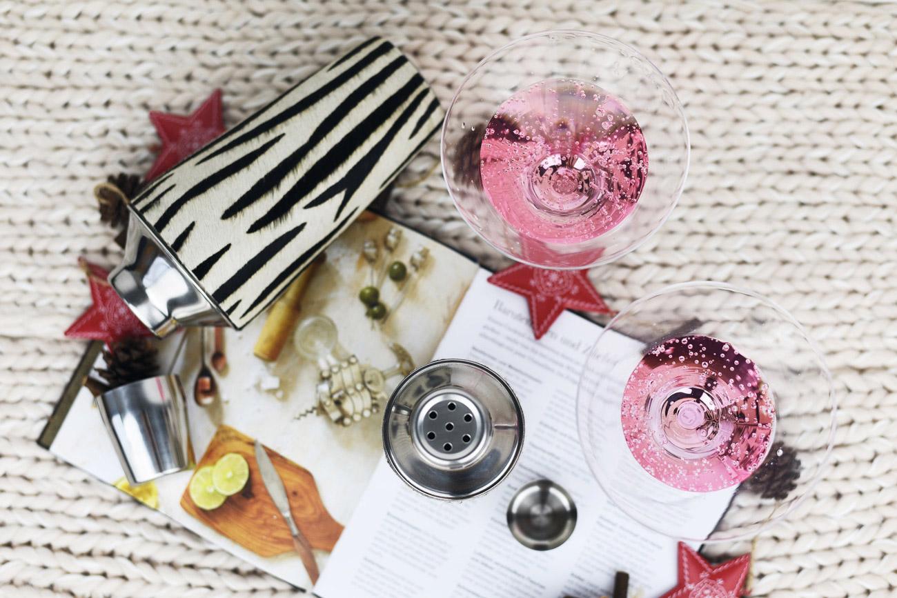 cocktail-maker-fuer-zuhause-mit-ponyfell-zebra-look-fashiioncarpet