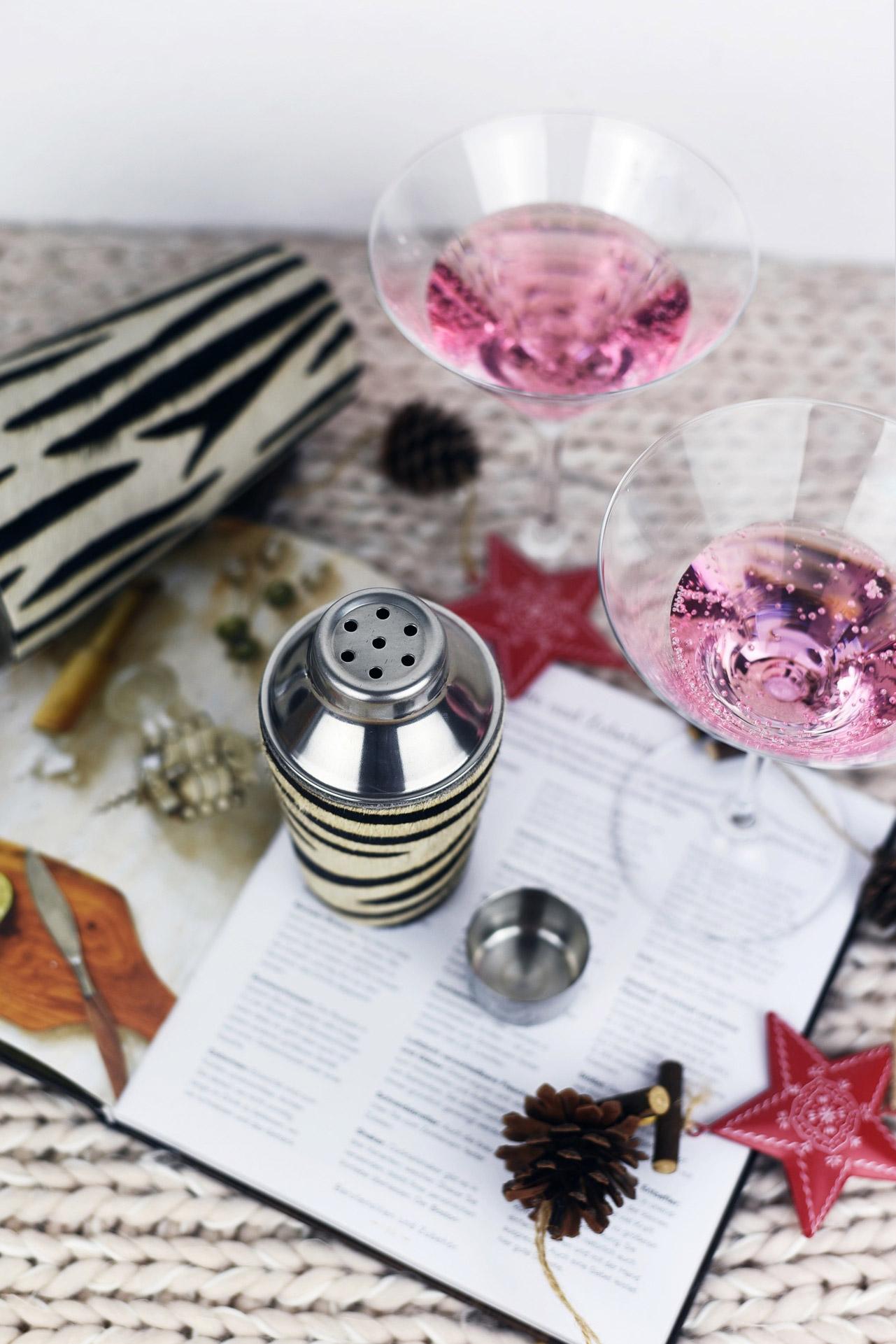 cocktail-shaker-gross-und-kleid-mit-ponyfell-fashiioncarpet