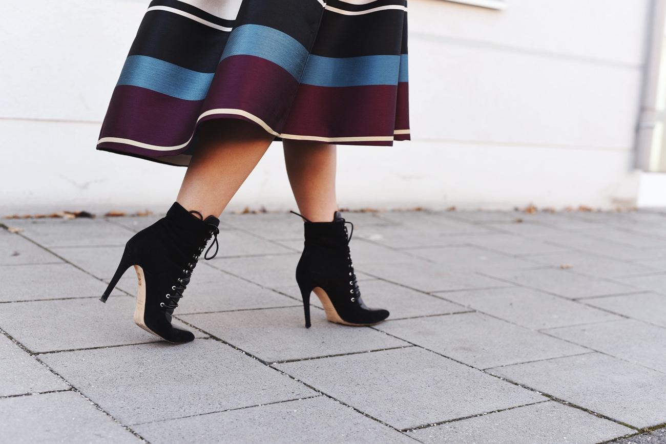 ted-baker-midi-skirt-gestreift-streetstyle-fashiioncarpet