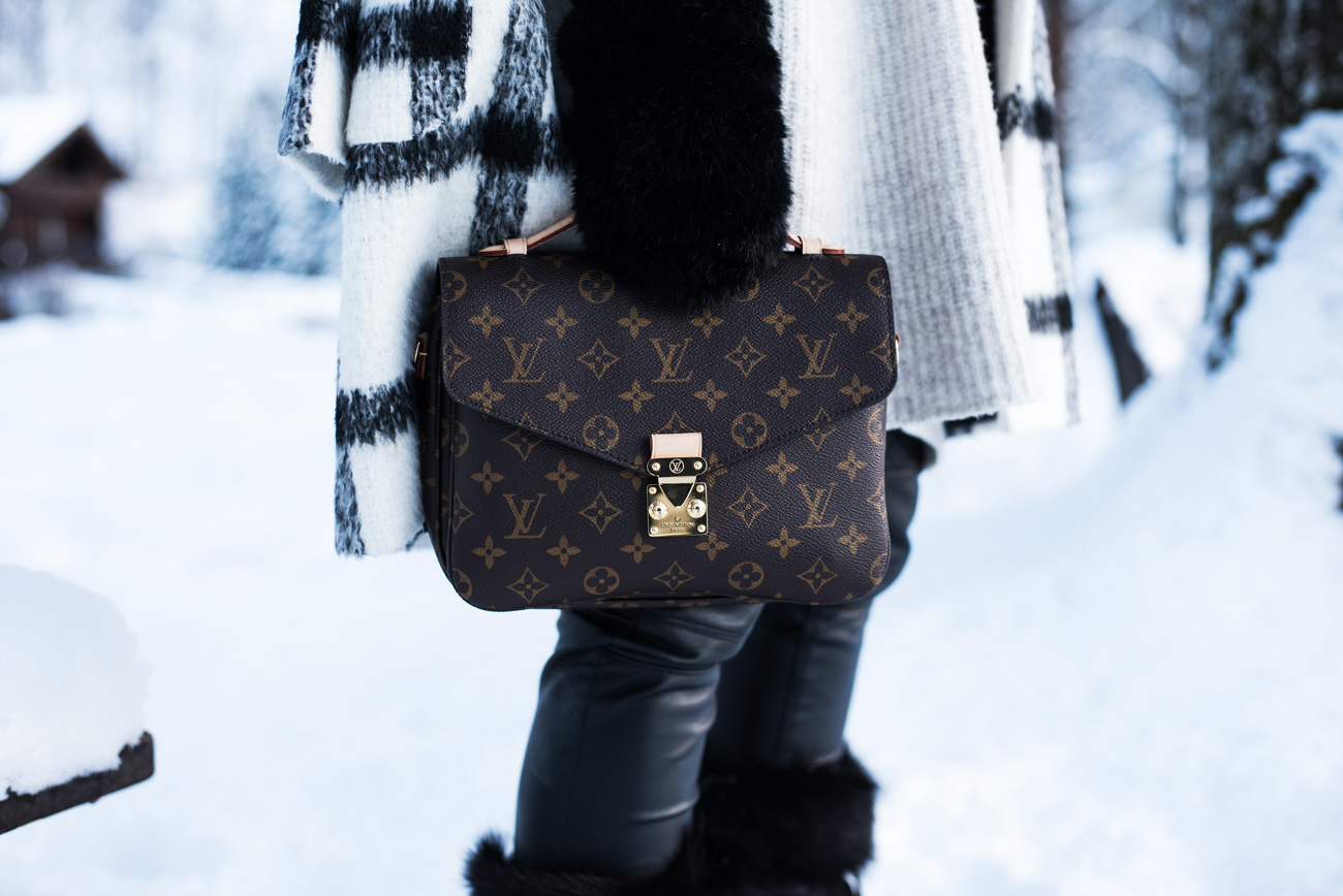 louis-vuitton-pochette-métis-monogramm-tasche-blogger-it-bag-2017-fashiioncarpet