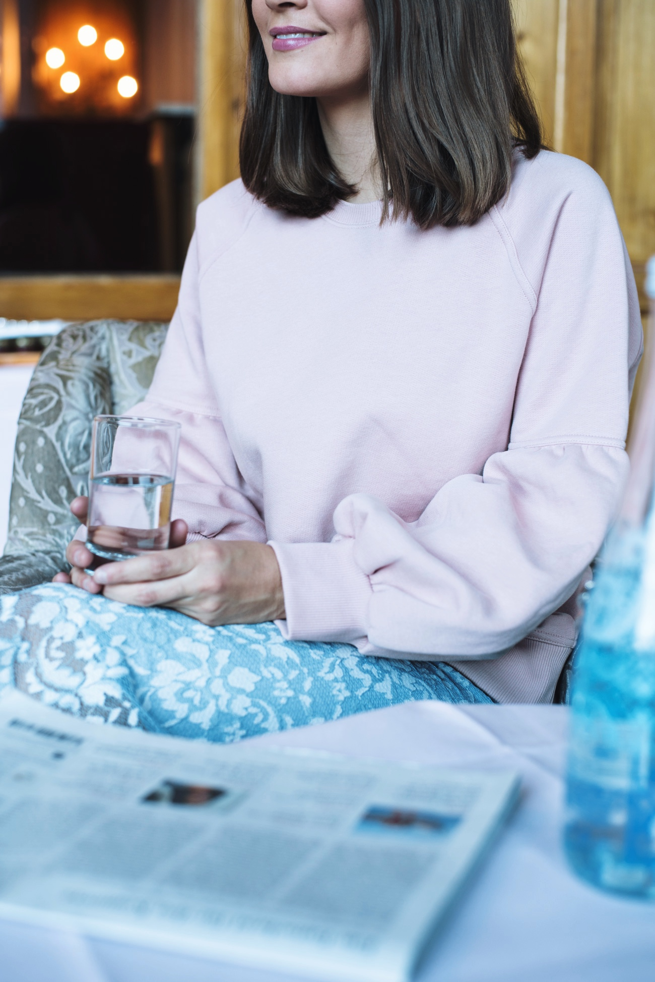 burberry-sweatshirt-aus-jersey-mit-glockenärmeln-in-rosa-pink-puffärmel-pullover-fashiioncarpet