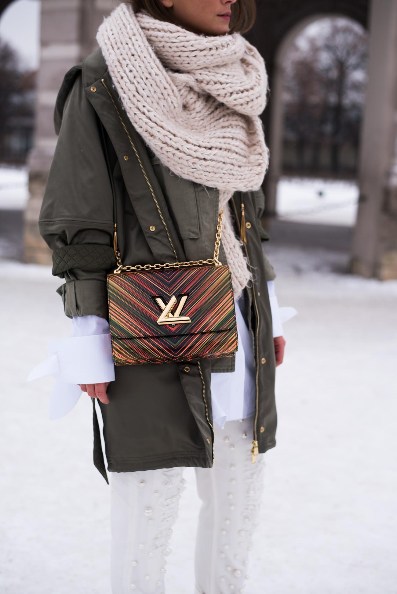 louis-vuitton-rainbow-twist-bag-cruise-collection-2016-blogger-streetstyle-fashiioncarpet