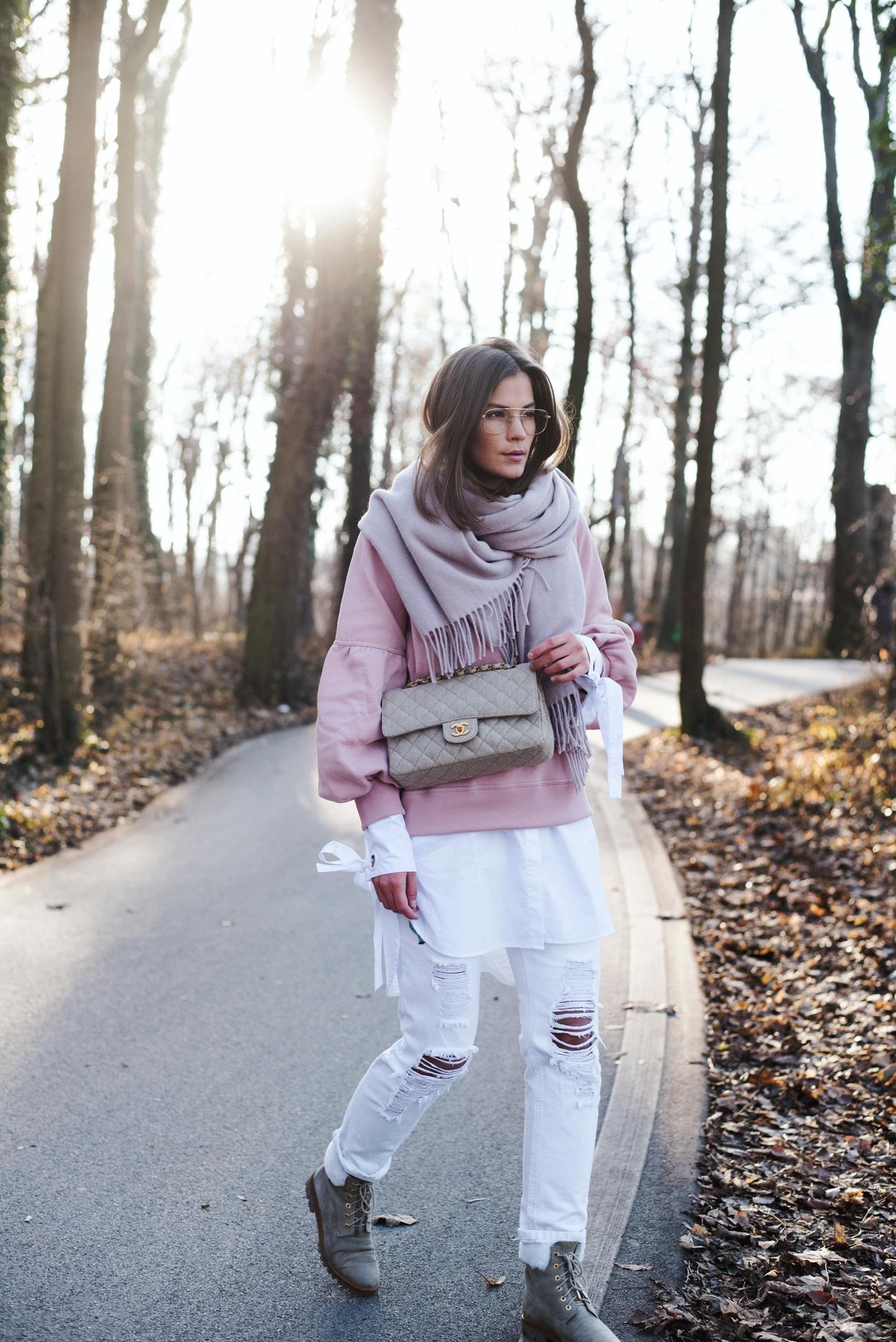 burberry-pullover-rosa-mit-puffärmeln-fashiioncarpet