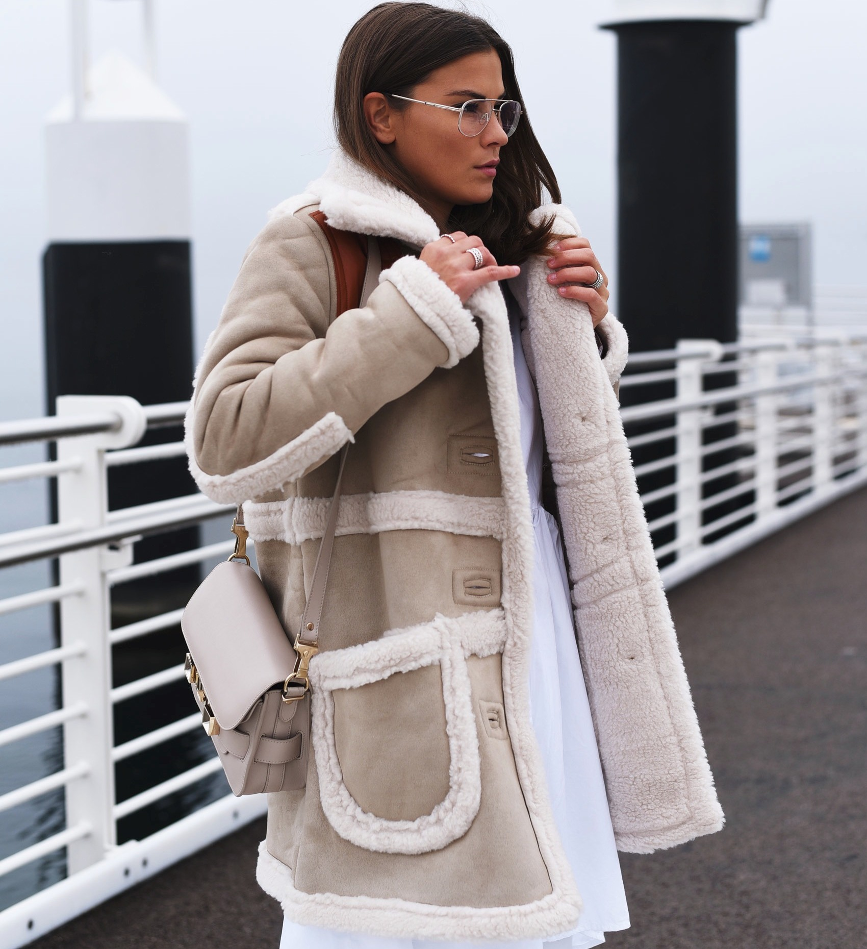 stylish-and-warm-winter-jackets-capes-pilot-jacket-fashiioncarpet