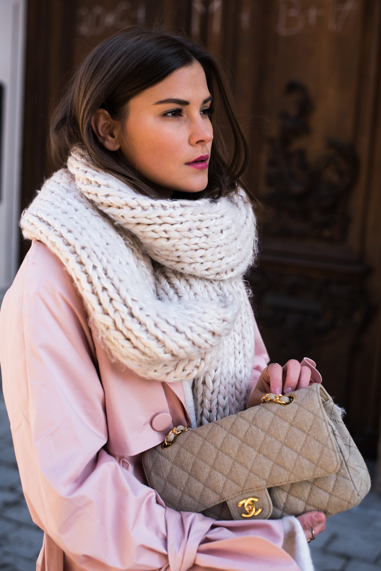 grobstrick-schal-beige-hellrosa-knit-scarf-rose-fashiioncarpet