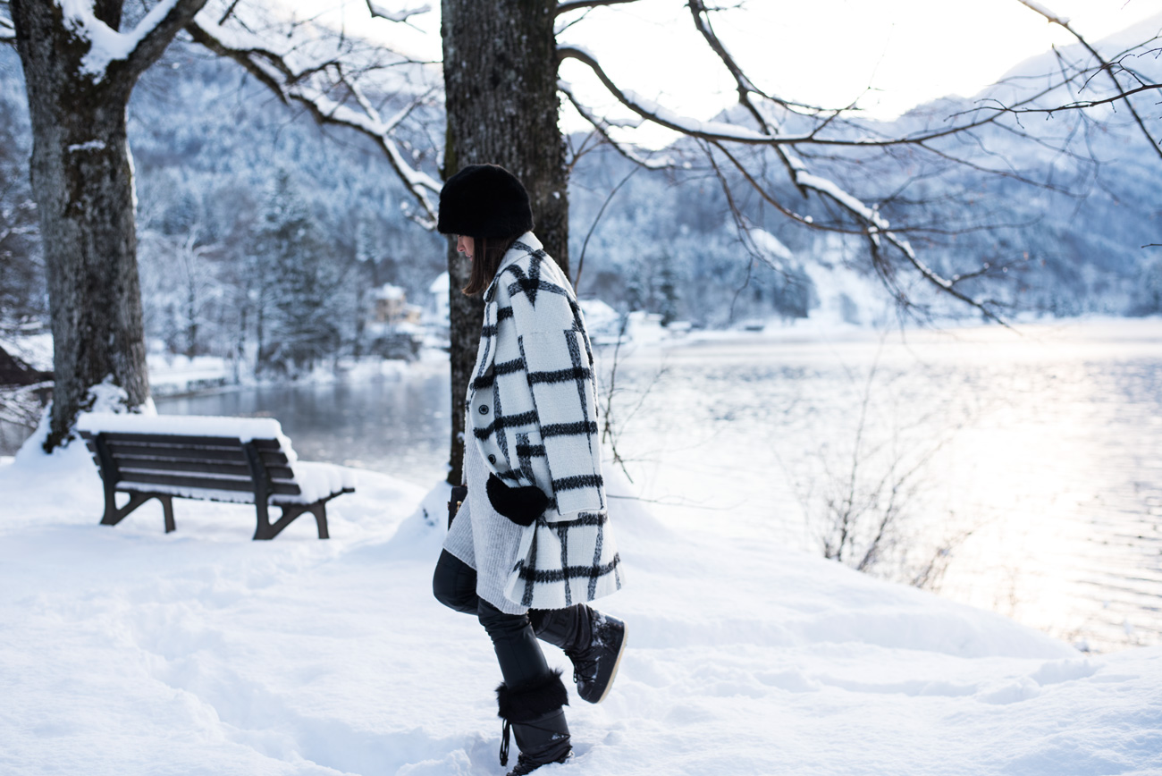 winter-foto-shooting-location-im-schnee-walchensee-fashiioncarpet