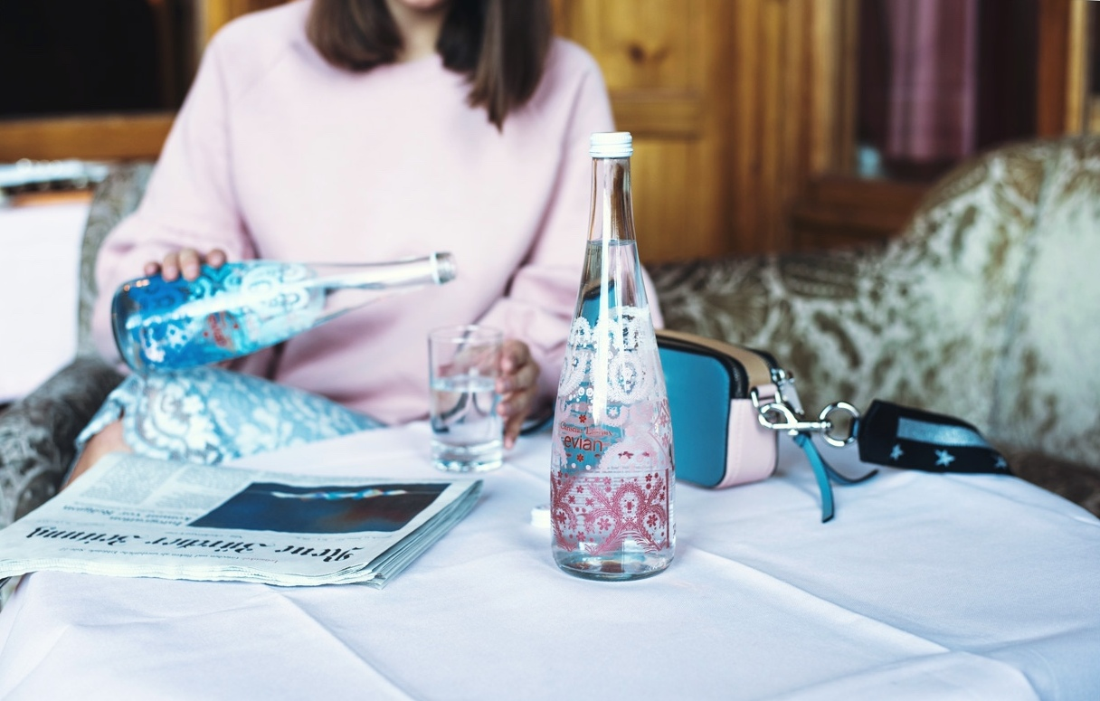 evian-limited-edition-bottles-christian-lacroix-2017-pink-and-ligh-blue-lace-design-fashiioncarpet