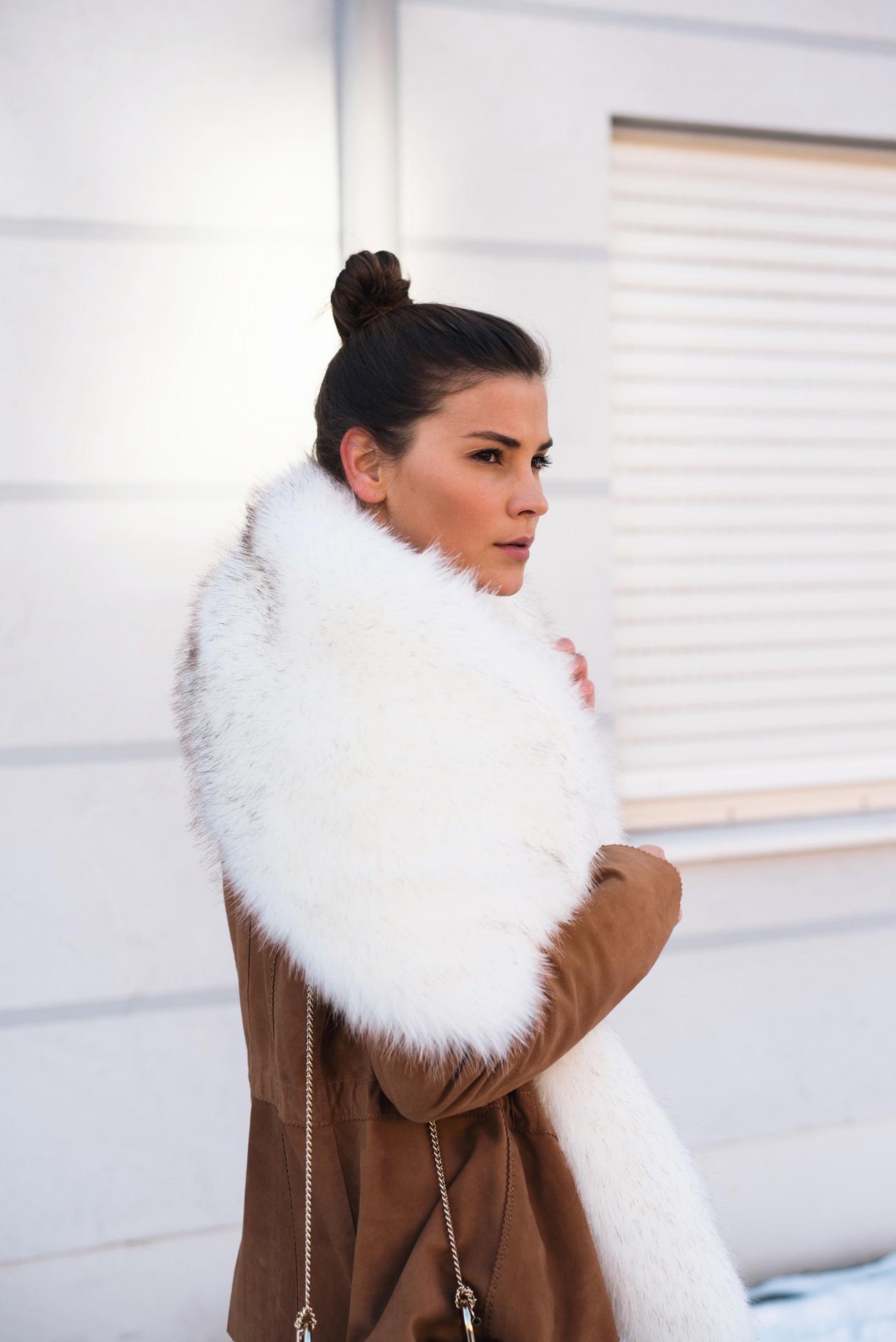 fake-fur-stola-kunstpelz-schal-weiß-blogger-streetstyle-fashiioncarpet