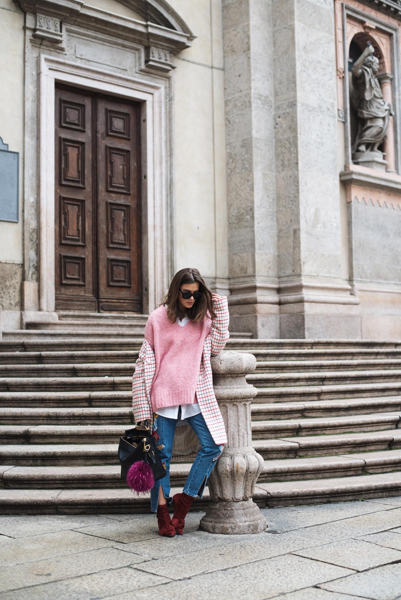 layering-mit-langer-bluse-und-oversize-pullover-streetstyle-nina-fashiioncarpet