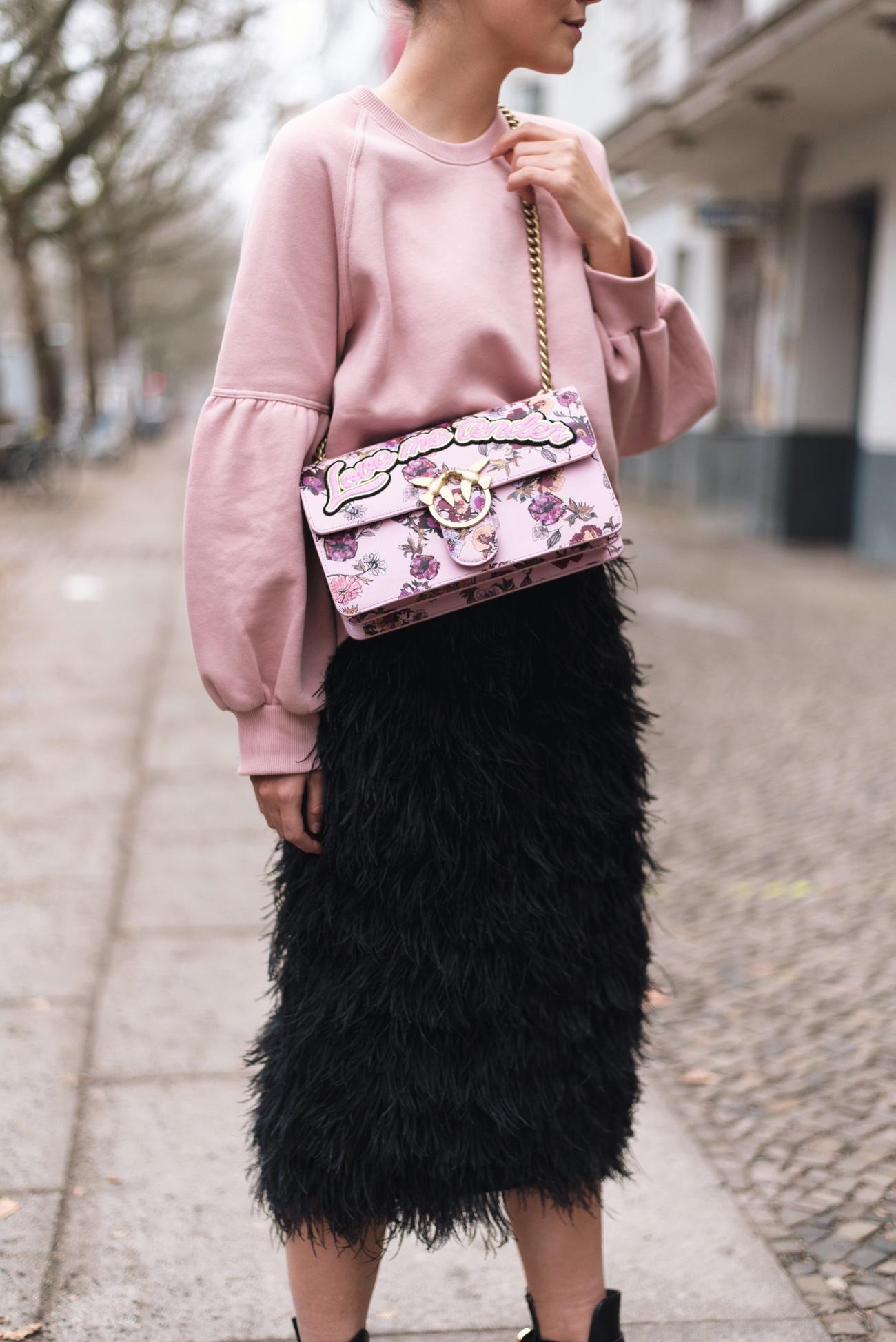 pinko-love-me-tender-tasche-pink-mit-blumen-fashiioncarpet