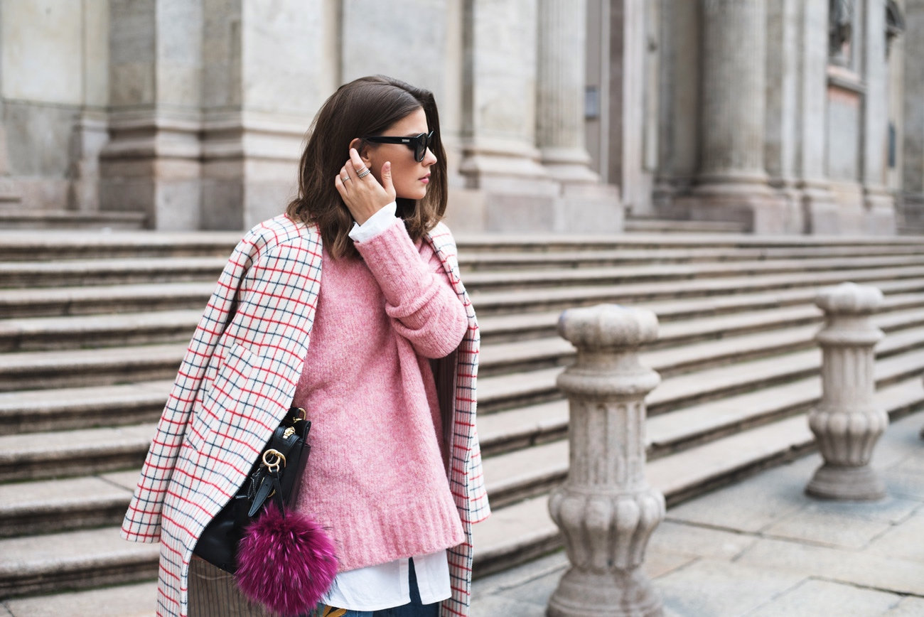 outfit-in-pastellfarben-rosa-pink-rot-streetstyle-im-frühling-inspiration-fashiioncarpet