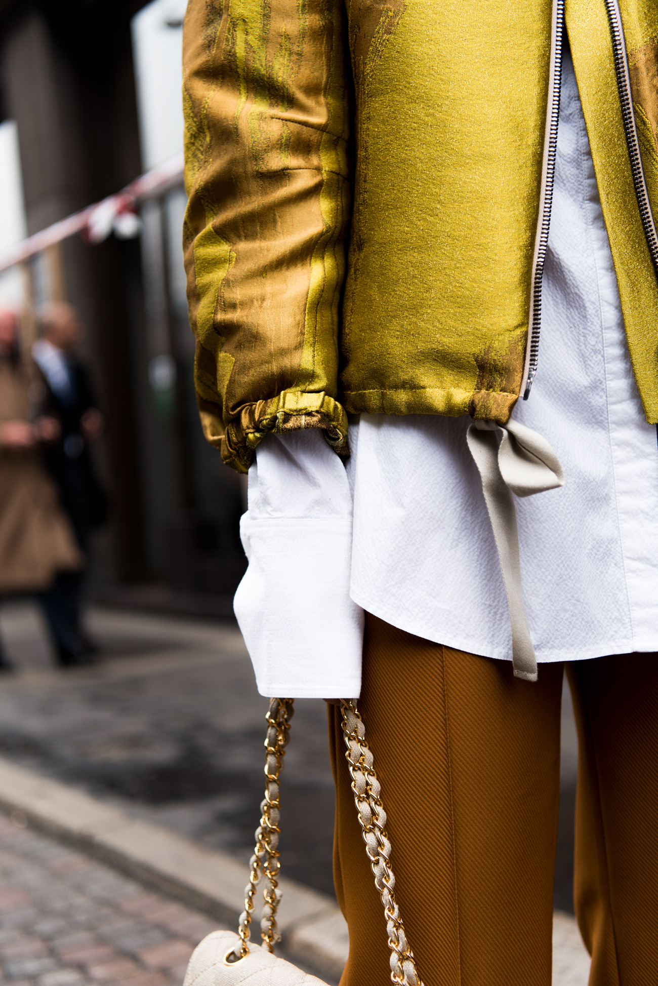 milan-fashion-week-streetstyle-layering-bomber-jacke-dorothee-schumacher-nina-schwichtenberg-fashiioncarpet